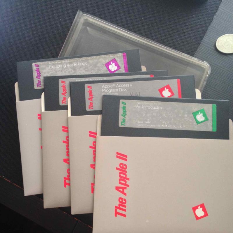 ขายแผ่นดิส Apple II