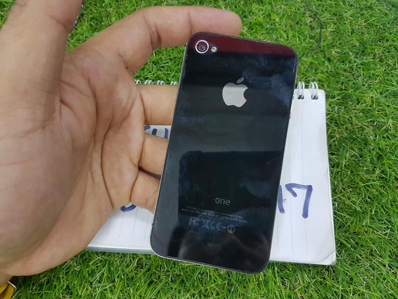 ขาย iPhone 4S สีดำ 8 GB มือ2 สภาพสวย 2900 บาท ครับ