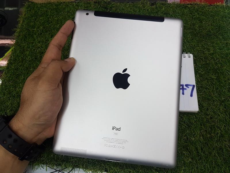 ขาย iPad 2 สีดำ WiFi ใส่ซิม 16 GB มือ2 สภาพดี 3900 บาท ครับ