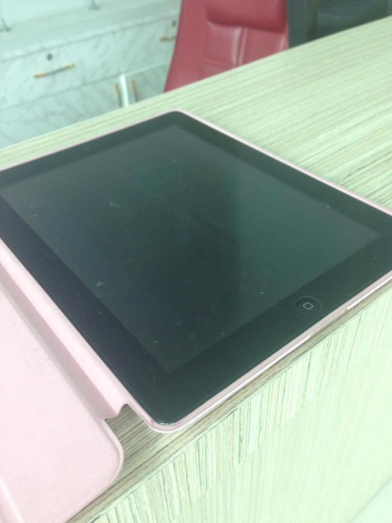 ขาย iPad 2 64Gb Wifi-3G ใส่ซิมได้