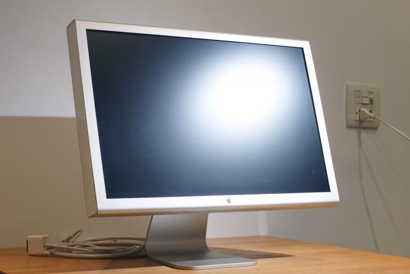 ขายจอ 23-inch Cinema Display HD รุ่นสุดท้าย (2005 DVI) จอใสๆ ราคาไม่แพง