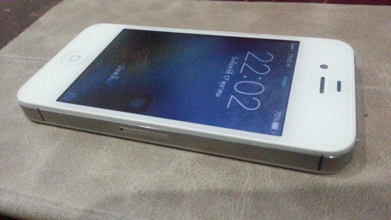 ขาย iphone 4s 32gb.สีขาว