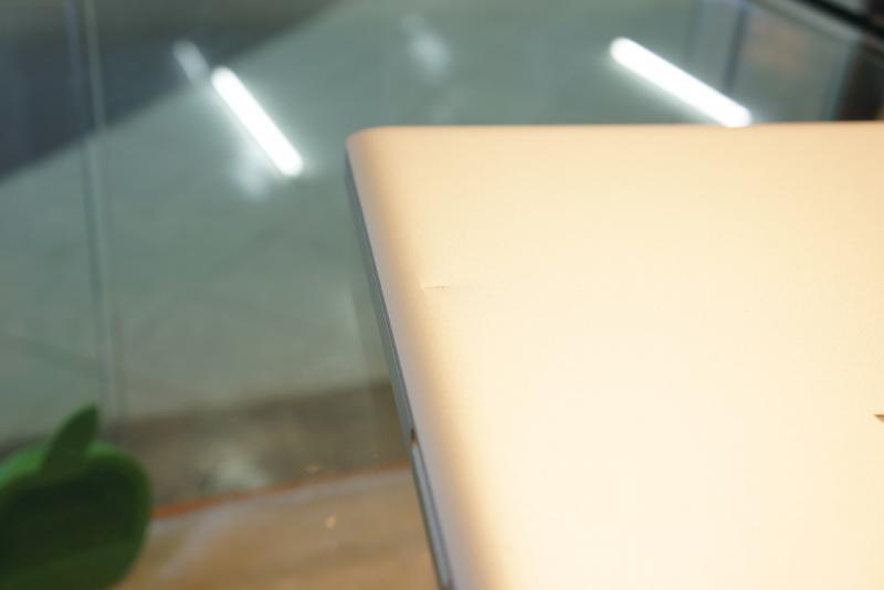 ขาย MacBook Pro 17-inch Core i7 2.2 GHz. Early รหัสสินค้า:0411