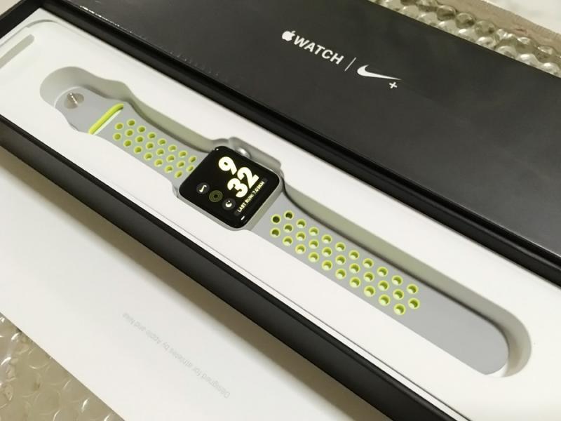 ขาย Apple Watch NIKE+ 38mm Silver/Volt