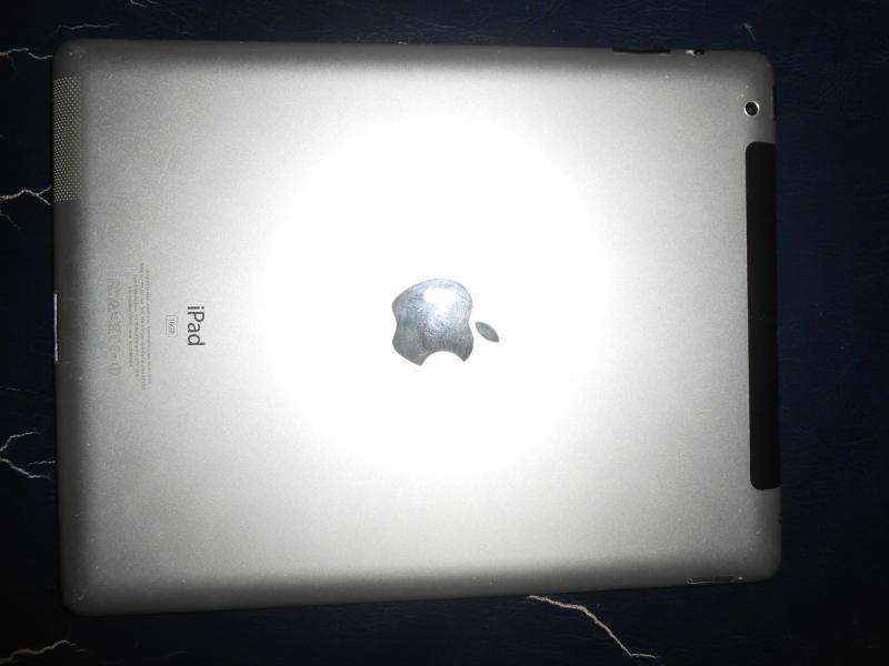 แอปเปิ้ล ไอแพด2 ใส่SIMได้ Apple iPad 2 WiFi 3G 16GB ใช้งานดีมาก แบตนาน10ชม