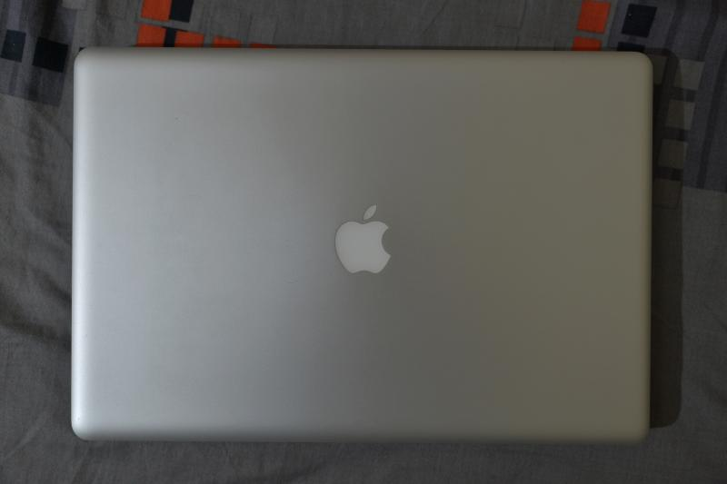 MacBook Pro 17-inch  ram 16 ssd 120GB