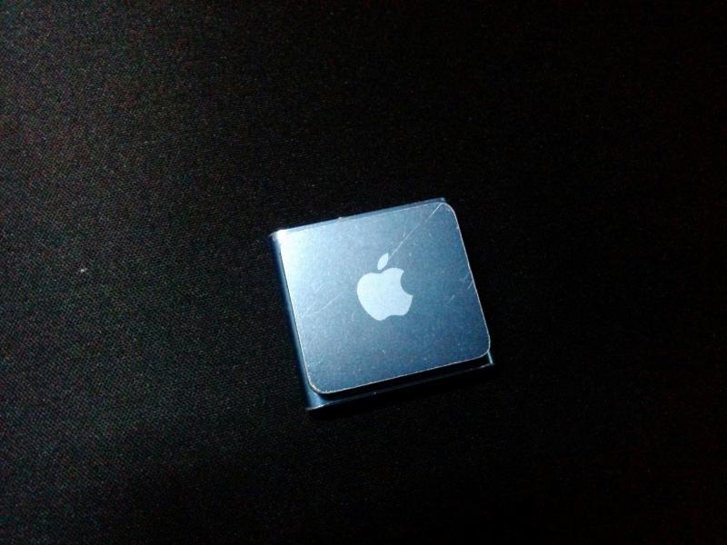 ipod nano gen 3 + ipod shuffle gen 4 สองอย่างเเค่ 600 บาทเท่านั้น รายละเอียดด้านใน
