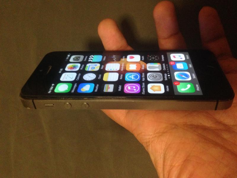 iPhone 5S 16GB ดำ จอเผยอ