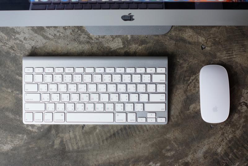 iMac 21.5-inch Slim (Late 2012) 2.7 I5/8GB/1TB HDD การ์ดจอแยก GeForce 640M คุ้มมาก ทำกราฟิกสบาย