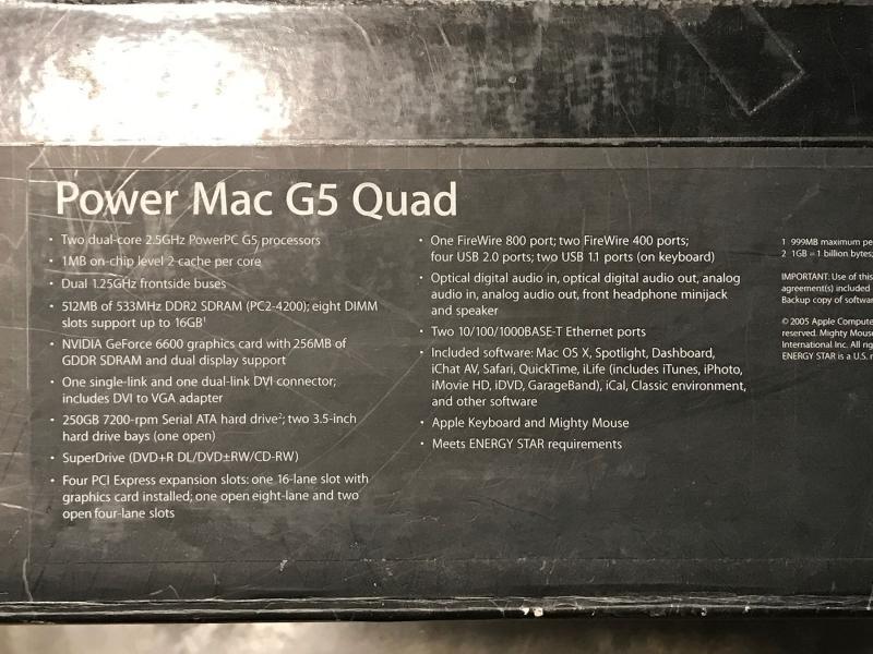 หายาก...Power Mac G5 (LATE 2005) รุ่นสุดท้าย ตัวท็อปสุด ก่อนจะไปเป็นแมคโปร คลาสิก สวย เลิศเลอ อลังการ อลูมิเนียมทั้งตัว ภายในงานอาร์ตมากๆ สภาพสะสม ตำหนิน้อย มีแต่รอยที่เกิดจากกาลเวลา ไม่มีขูดขีดแรงๆ แน่นอน กล่องช้ำเพราะชื้นเล็กน้อย แต่ยังแข็งๆ สวยๆ ราคาตอนซื้อแตะแสน  ตัวนี้เป็นรุ่นแรกที่เป็น 64 bit