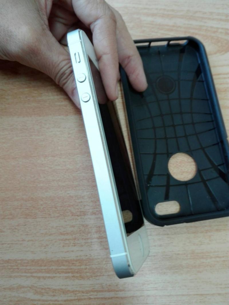 iPhone 5 16GB สีขาว อุปกรณ์ครบ พร้อมกล่อง ติดกระจกนิรภัยด้านหน้า แถมเคสสวยๆๆ