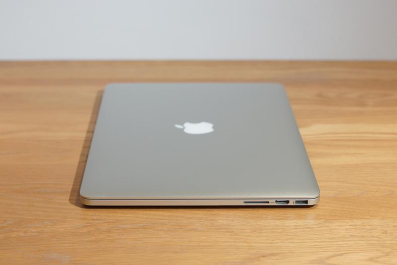 แรง แรมเยอะ การ์ดจอแยก MacBook Pro 15-inch Retina (Mid 2012) CTO 2.3 i7/เพิ่มแรมจากโรงงาน เป็น 16GB/256GB Flash การ์ดจอแยก NVIDIA GeForce 650M 1GB GDDR5 ยกกล่อง แบตชาร์จมาแก่ 2X ครั้งเท่านั้น