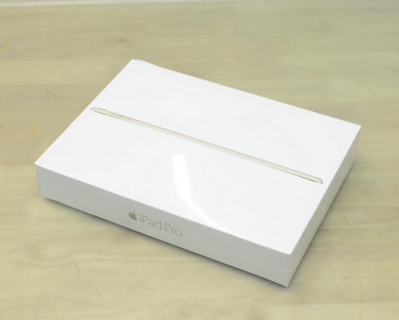 ขาย NEW IN BOX iPad Pro 9.7-inch GOLD 128GB WIFI ของใหม่ยังไม่แกะซีล ประกันศูนย์ 1 ปีเต็ม