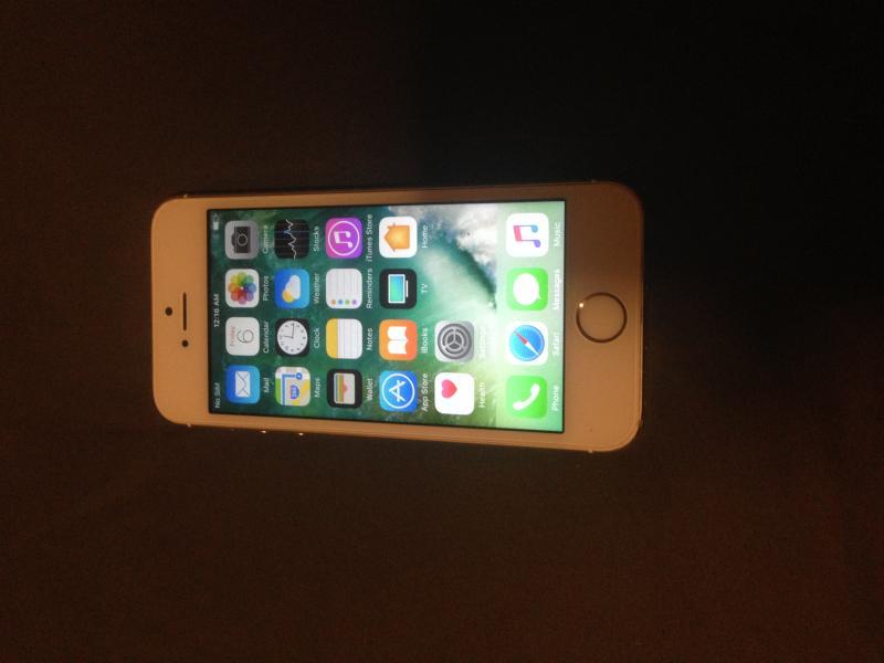 iPhone 5S 16GB ทอง หน้าจอกดเอง
