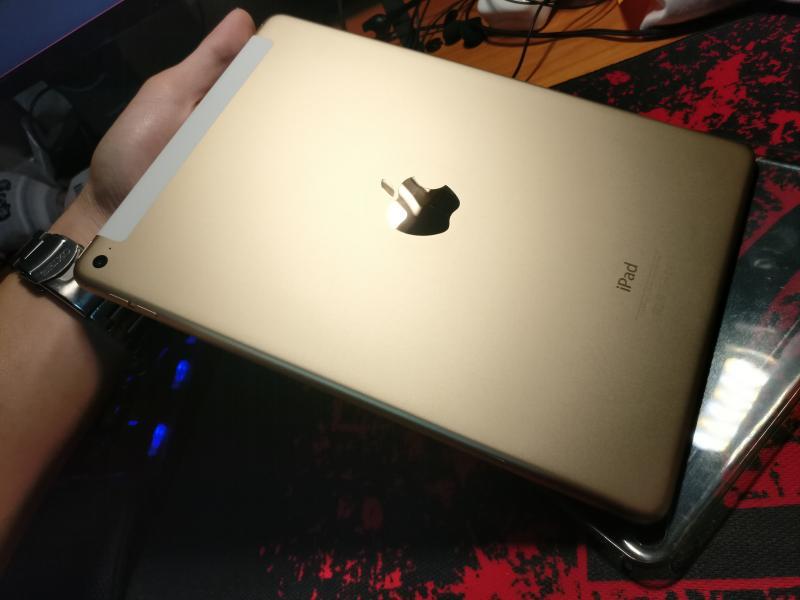 Ipad Air 2 64GB สีทอง Cellular ราคาไม่แพง