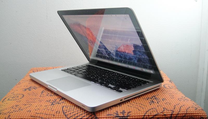 ปรับราคาแบบสุดๆเหลือเพียง 20,900 บาท เท่านั้น MacBook Pro 13-inch Intel Core i5 2.5GHz  Ram 4 GB  HDD 500 GB  Mid 2012