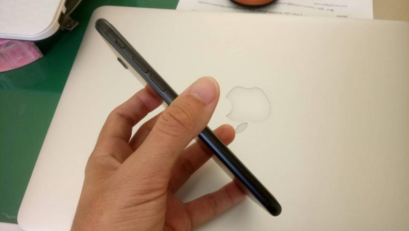 iPhone 7 ปี 2016 ความจุ  32 GB. เครื่องสวยใหม่. อายุ 1เดือน. เครื่องเร็ว สปีดไหลลื่นมาก