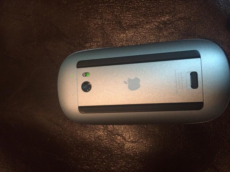 ขาย Apple Magic Mouse มือสอง สภาพ 99.99% 1,750 บาท