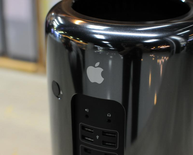 ขาย ของเทพ Mac Pro Late2013 6-Core Xeon E5 3.5GHz RAM 16GB SSD 256GB DUAL AMD FirePro D500 3GB ประกันศูนย์ Apple Care 13-08-17